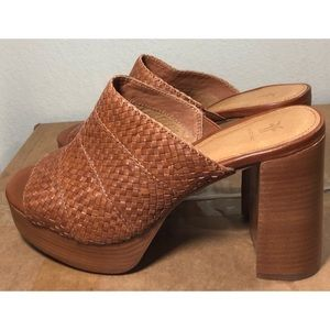New FRYE heeled sandals size 9.5 brown